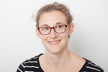 Frau Lewandowski-Adhikari